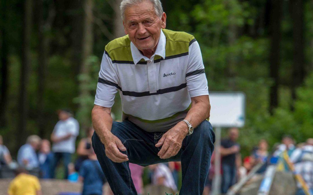 Wir trauern um Harald Pfeffer, er war der erste Skispringer der Welt auf Kunststoff-Matten